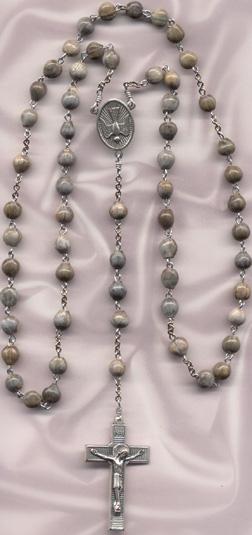 rosary.lourdes1.jpg